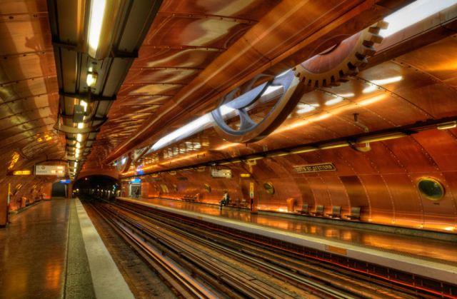 Statii de metrou: Arts Et Metiers, Paris, Franta