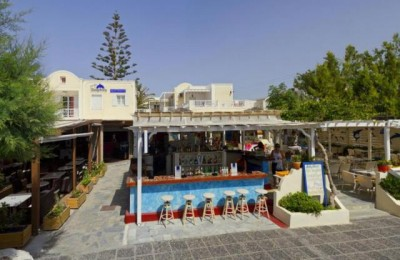 Charter Santorini Hotel Dolphin apartments