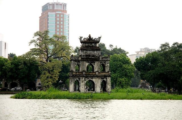 Hoan Kiem Lake (Hanoi), Vietnam